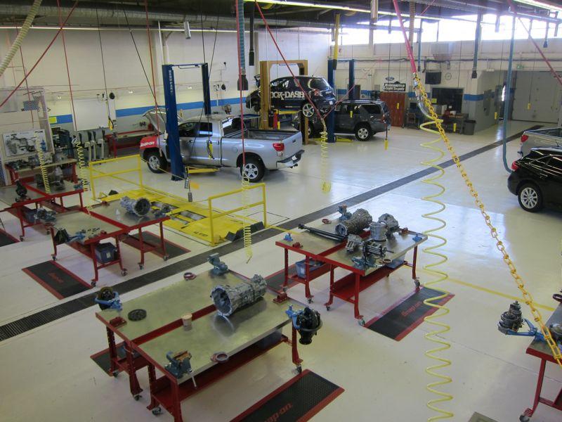 bird eye view of the automotive classroom